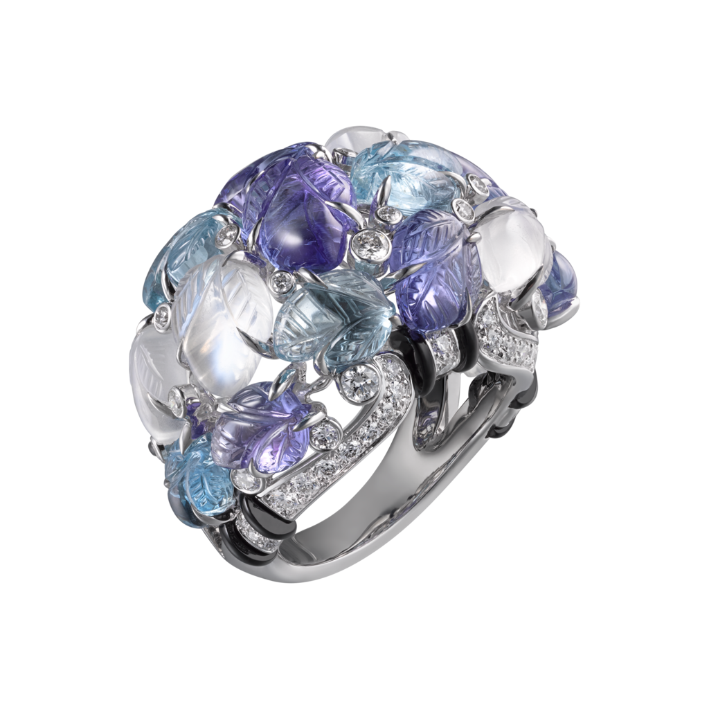 Ring with engraved stonesWhite gold, tanzanites, moonstones, aquamarines, onyx, diamonds