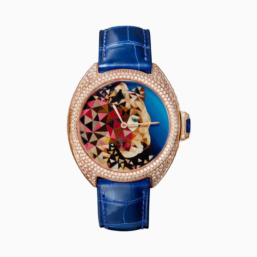 Часы Clé de Cartier с соломенной мозаикой «маркетри»