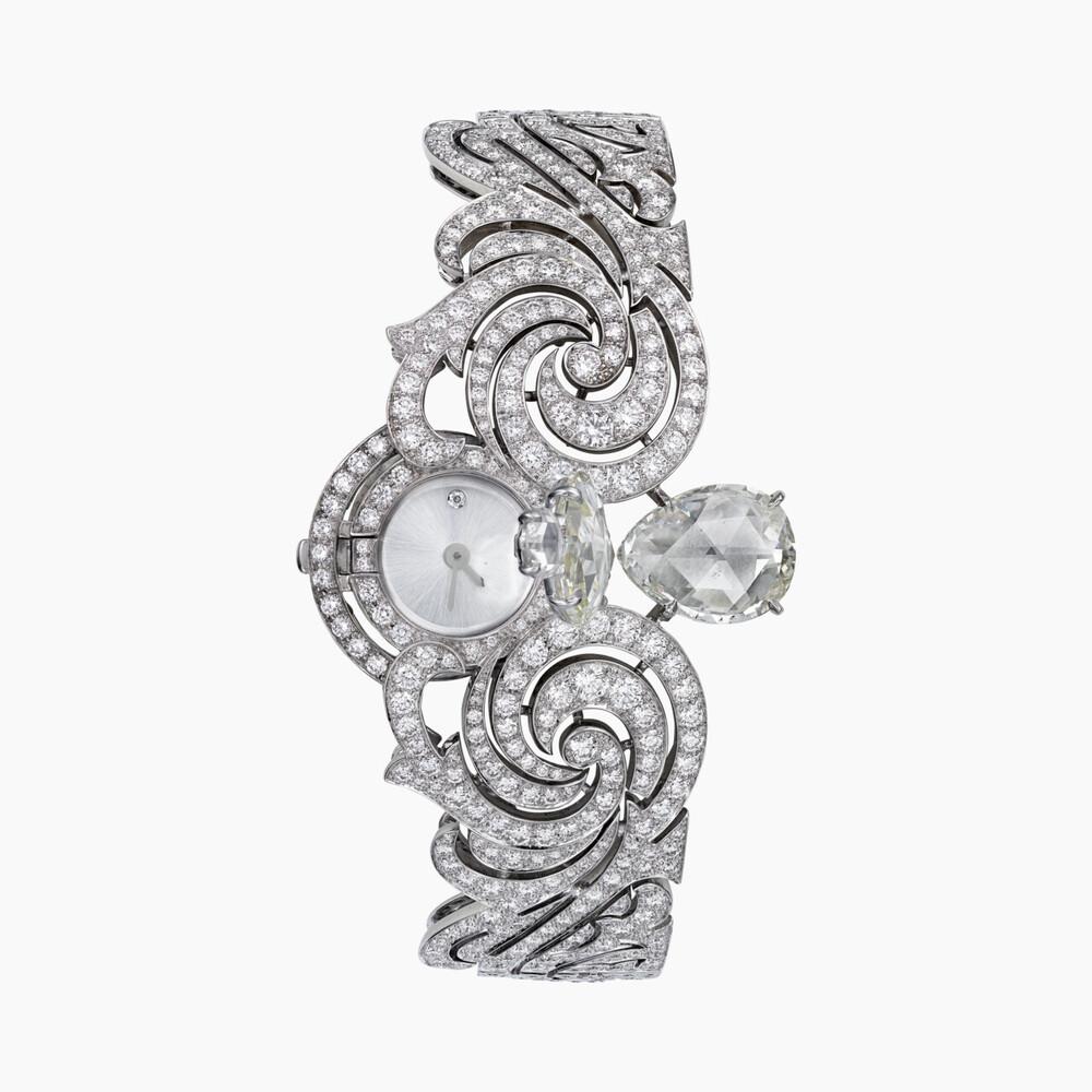 Часы со скрытым циферблатом категории Высокое ювелирное искусство