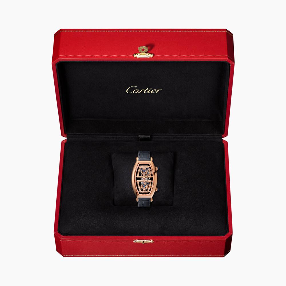Часы Tonneau